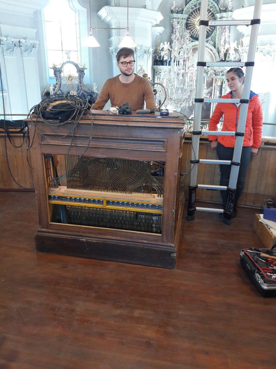 Arbeiten an der Orgel gehen gut voran