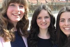 Die drei Maturantinnen Kathrin Lusser, Michaela Schönegger und Carina Mair